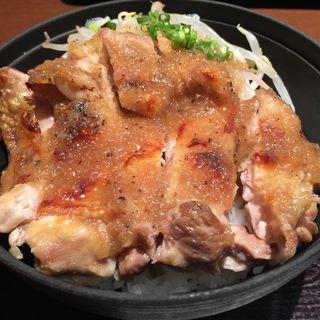 チキンステーキ丼(とりかく 大手町ビル店 )