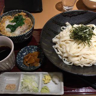 ざるせいろとカツ丼のセット(横浜なかや )