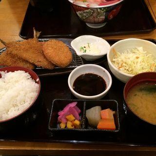 アジフライとメンチカツ定食(魚盛 丸の内店 )