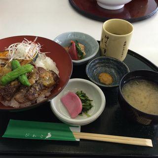 近江牛ステーキ丼(近江路 (オウミジ ))