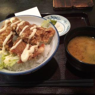 鶏唐揚げ丼(築地錦水 (つきじきんすい))