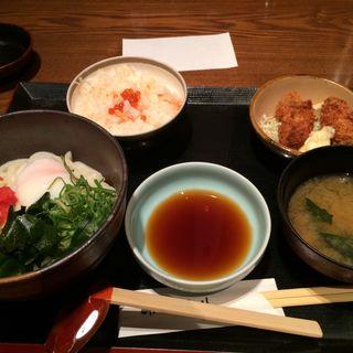 明太釜玉うどんと秋焼鮭ごはん膳(魚菜 まほらま (まほらま))