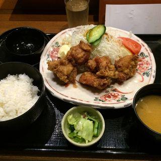 鶏の唐揚げ定食(旬彩庵 丸の内店 (しゅんさいあん))