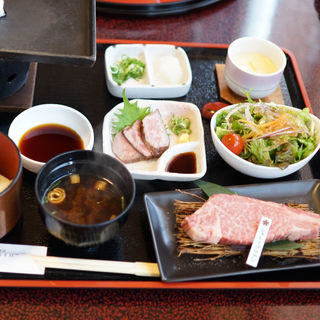 ステーキ御膳 シャトーブリアン(万葉 太郎坊亭 (マンヨウ タロボウテイ))