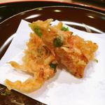 桜海老とえんどう豆のかき揚げ