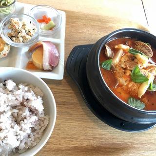 魚介トマトゆし豆腐定食(Beans (ビーンズ))