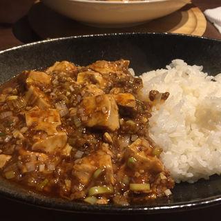 麻婆丼(四川Dining&Bar臥龍 創香 )