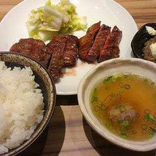牛タン定食(たんか (TANCA))