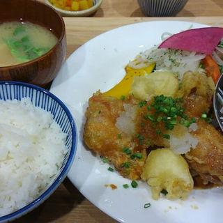 おろしチキン竜田&ゴマサバ(いっかく食堂 天神店 )
