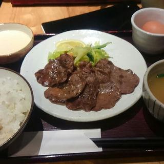 牛タンとろろ定食(たんやHAKATA)