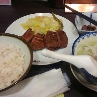 牛タン定食(牛たん炭焼 利久 博多デイトス店 (ぎゅうたんすみやき りきゅう))