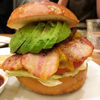 完熟アボカドチーズハンバーガー(burger house UZU (バーガーハウス ウズ))