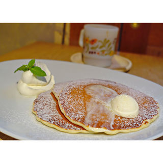 アイスオントップ(クラシックバターミルクパンケーキ)(Esquerre Cafe)