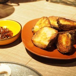 皮付き里芋の鉄板焼き(STAND BY FARM)