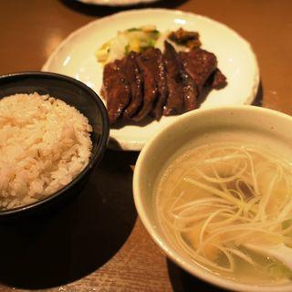 牛たん定食(牛たん若 泉店)