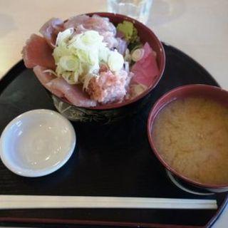 鮪三種丼(千屋 (センヤ))