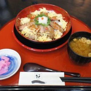 和風おろしすて~き丼(レストラン 冠 (れすとらん かむり))