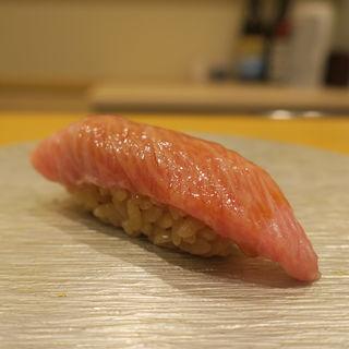 鮪(鮨 真菜 )