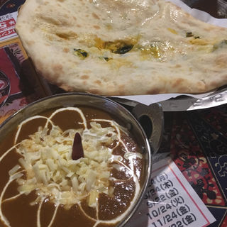 ビーフチーズカレー&パンプキンナン(AKASH (アカース))