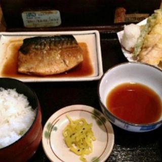 鯖と穴子の定食(普通の食堂いわま )