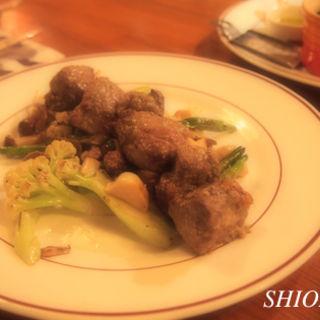 マグロホホ肉のカニみそステーキ(La LunaLuna)