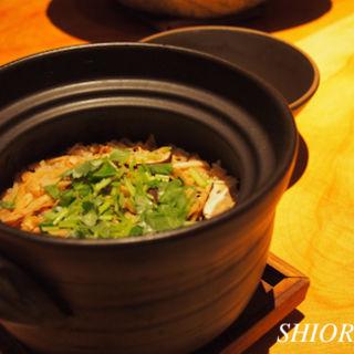 釜炊き松茸ご飯(旬房 (Shunbou))