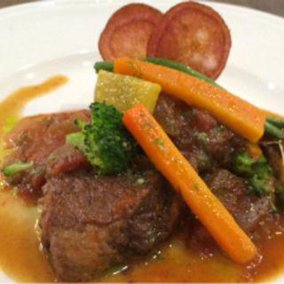 オーストラリア産牛バラの赤ワイン煮(Le 日本食堂 (ルニホンショクドウ))