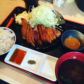 牛ロースカツ膳(牛カツ専門店 京都勝牛 小川町 )