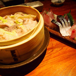 南の島豚と新鮮白菜重ねせいろ蒸し(Soffa Tokyo)