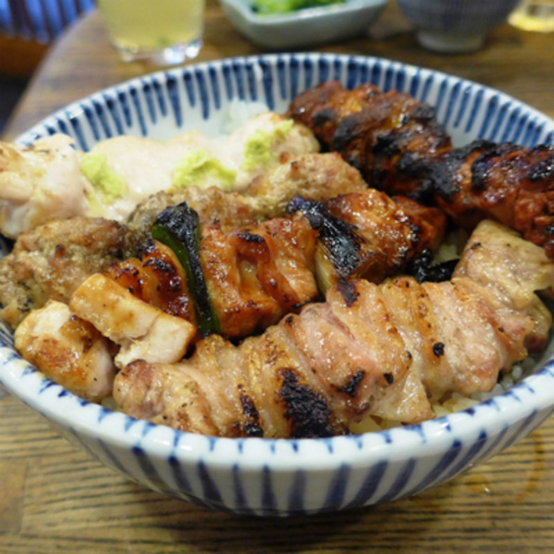 サラリーマンで賑わう京橋で、お昼から食べたい焼き鳥ランチなど10選
