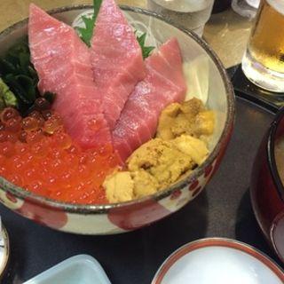 宝丼(海風亭 寺泊日本海 (てらどまりにほんかい))