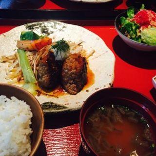 牛彩特製和牛ハンバーグステーキセット(青山牛彩 (あおやまぎゅうさい))