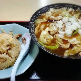肉細切りラーメン(斉華 )
