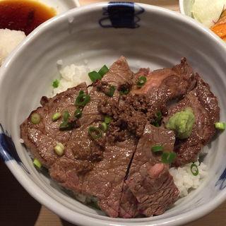 Wステーキ丼(うちだ )