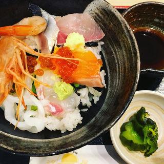 海鮮丼(ニュー汐屋 )