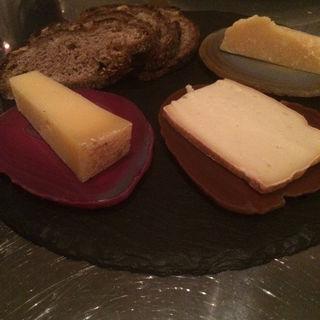 江古田パーラーのパンにチーズ(清澄白河 フジマル醸造所 )