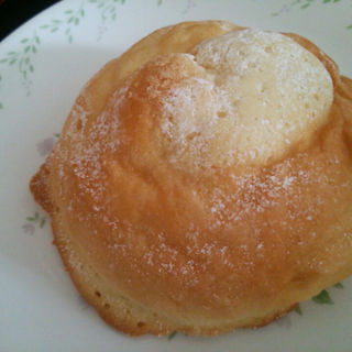 クッキークリームパン(望月 (MOCHIZUKI))