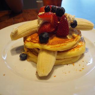 ストロベリーバナナパンケーキ(GOOD MORNING CAFE 中野セントラルパーク店)