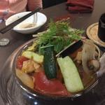 魚介と季節の野菜のパスタ