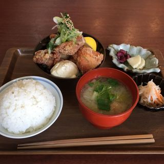 唐揚げ定食(ボブ東京 )