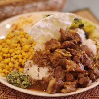 セイロンプレート (ポーク)(スリランカ料理 ラサハラ (RASA HALA))