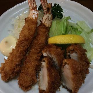エビフライ帆立貝柱フライ定食(とんかつ さんき )