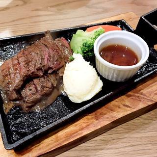 鉄板牛ハラミステーキ定食(LIMIT DISH)
