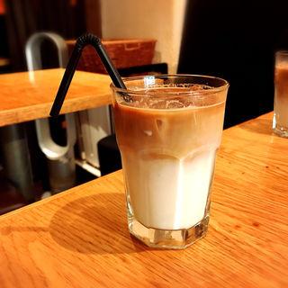 アイスカフェラテ(KOOP CAFE (クープカフェ))
