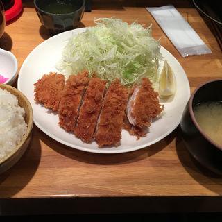 ロースカツ定食 (ランチ)(横浜とんかつ倶楽部)