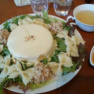 チーズフォンデュパンケーキ ツナ&ファルファーレ(アンリヴァージュ )