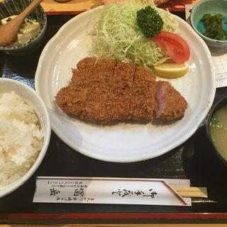 上ロースカツ定食(冨岳 )