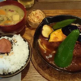 煮込みハンバーグ膳(タケウチ 神保町本店 (TAKEUCHI))