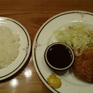 洋食屋さんの大きなメンチカツ(うすけぼー 日比谷店 (USQUEBAUGH))
