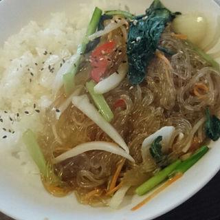 チャプチェ丼(とんちんかん)